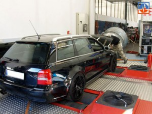 1684__Berliner-Audi-RS4-Bi-Turbo-in--quot-Audituning-quot--04-von-Tunetec---Turbo---