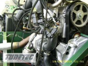 2193__Kohlenstoffkolbenmotor-auf-stationaerem-Pruefstand-appliziert-